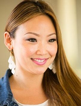 Lindsey-at-hair-salon-stylist-newport-beach